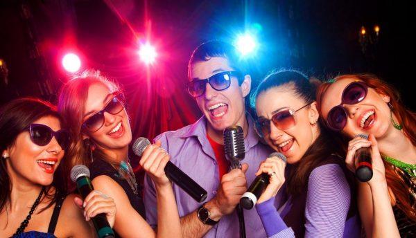 Переваги сучасних караоке-клубів в порівнянні з кафе та ресторанами