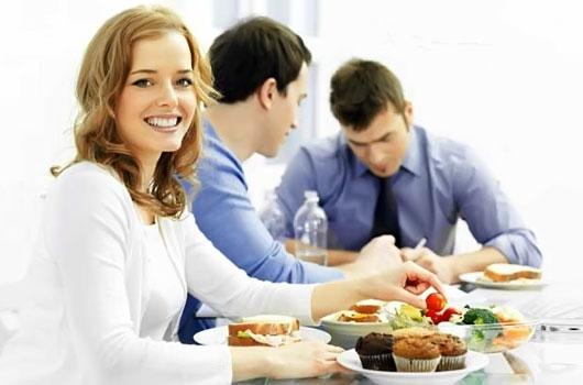 Обеды с доставкой офис – идеальный вариант не пропустить приём пищи