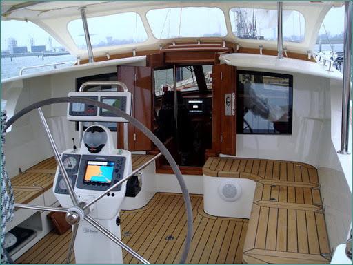 Сотни видов оборудования и комплектующих для яхт